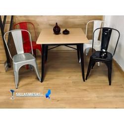 Conjunto 4 sillas TOLIX y 1 mesa TOLIX