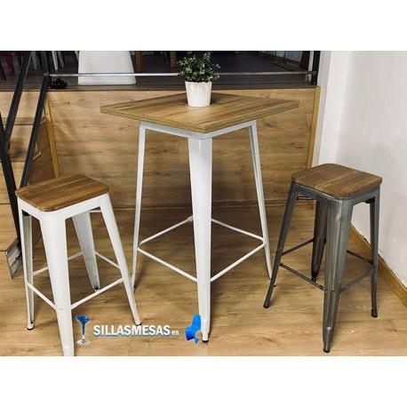 Conjunto 2 taburetes TOLIX asiento MADERA y 1 mesa ALTA TOLIX