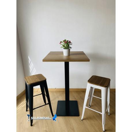 Conjunto 2 taburetes TOLIX asiento madera y 1 mesa ALTA NOEL