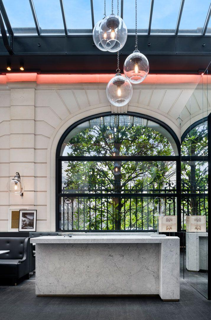 Café-Artcurial-Restaurant-Paris-10