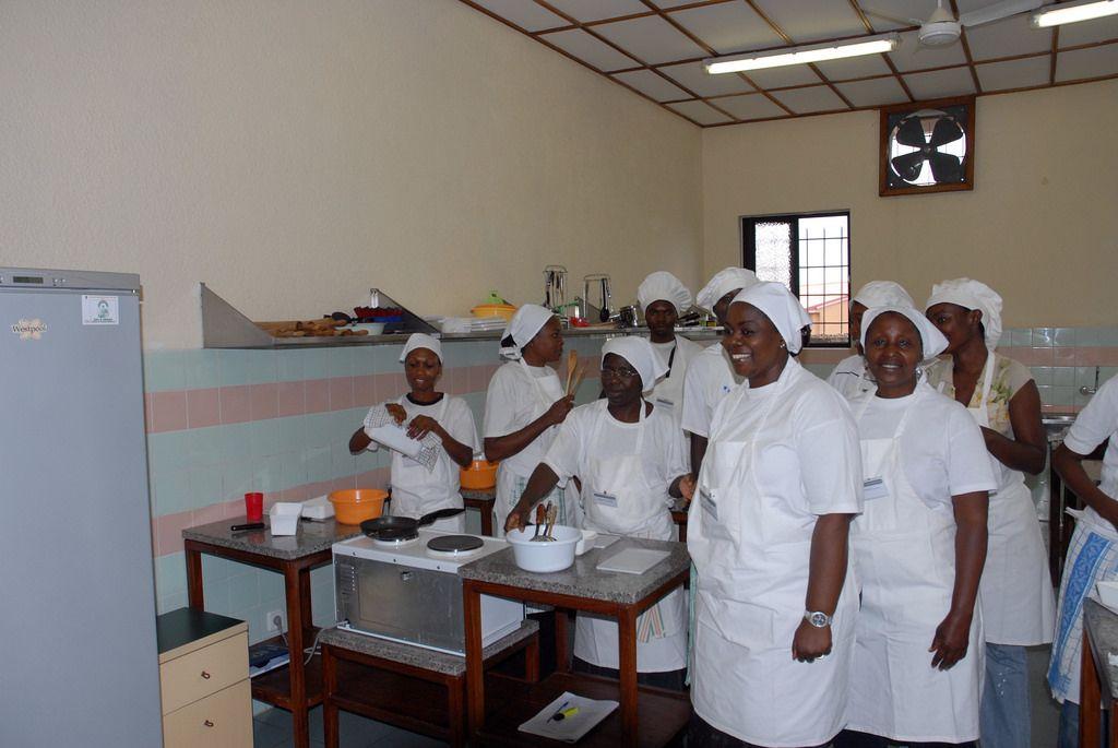 Cocineras africanas, antes de su viaje a España