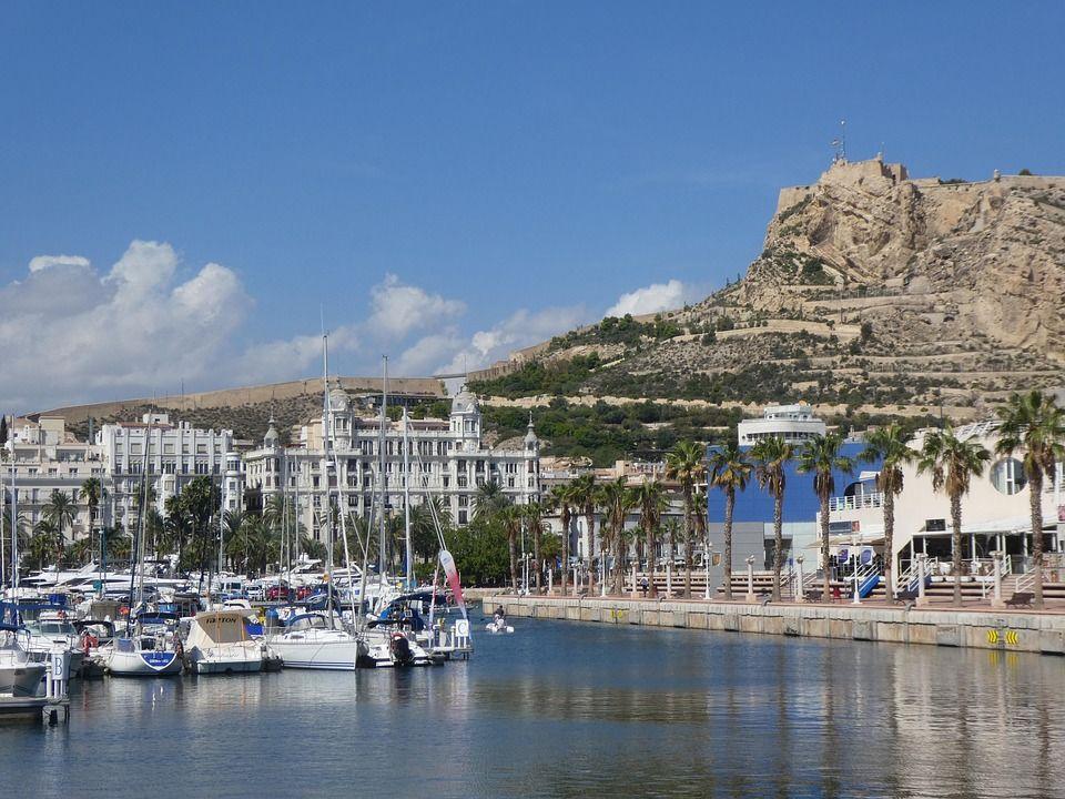 Detalle de la ciudad de Alicante