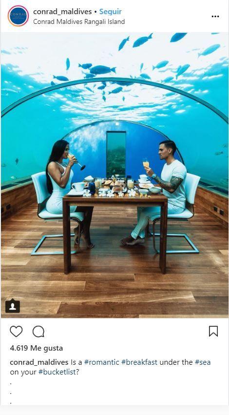 Restaurante submarino Ithaa en Maldivas