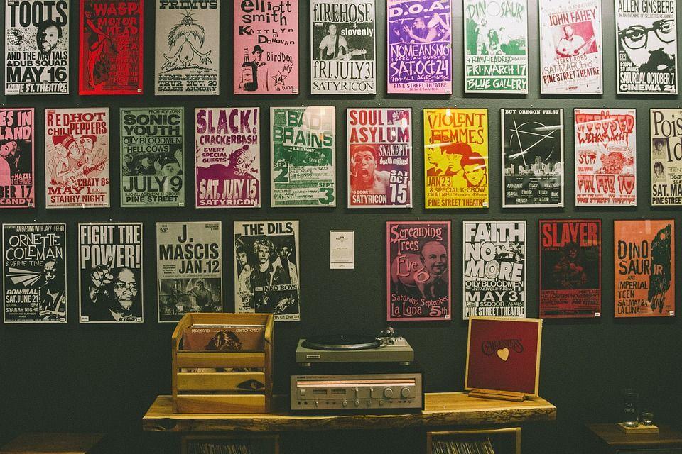 Decora tu restaurante con carteles antiguos