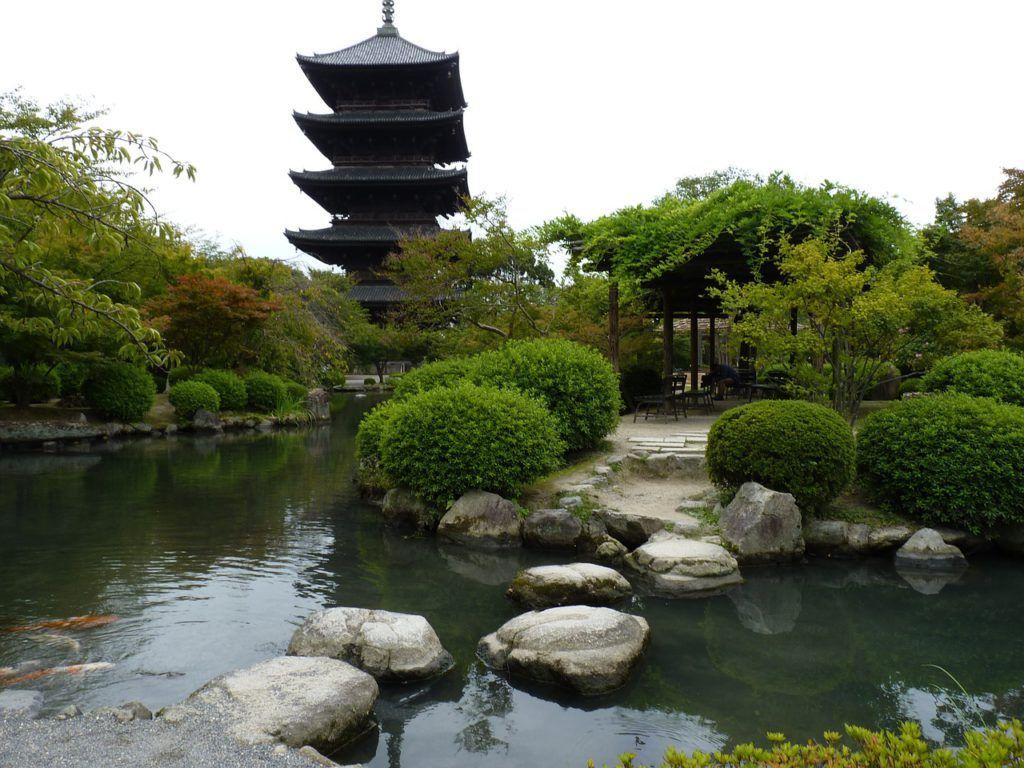 Uso de colores neutros en el estilo de decoración zen