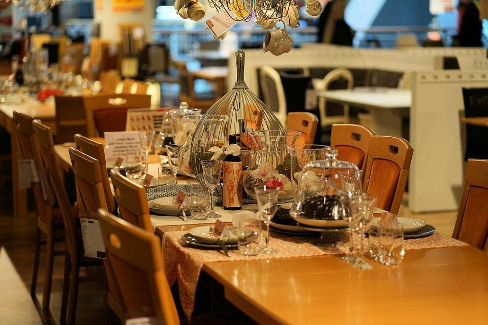 Cómo organizar el mobiliario de un restaurante