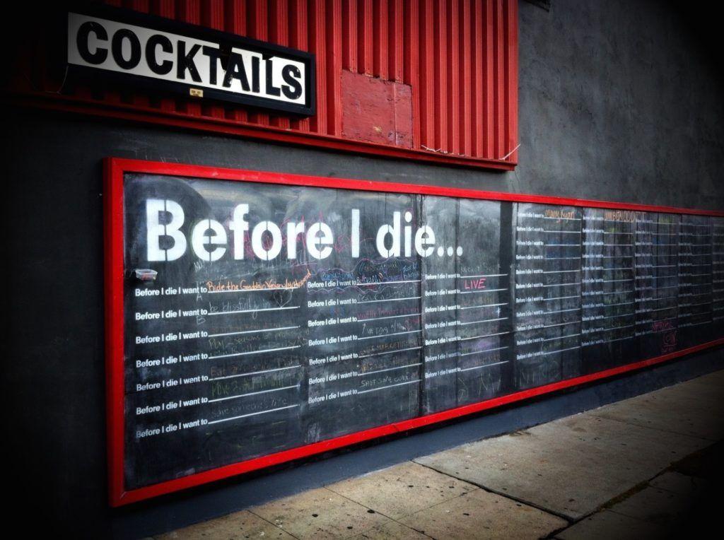 Cómo decorar un bar con poco dinero