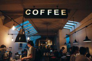 Difrenencias entre licencia de pub y licencia de cafetería