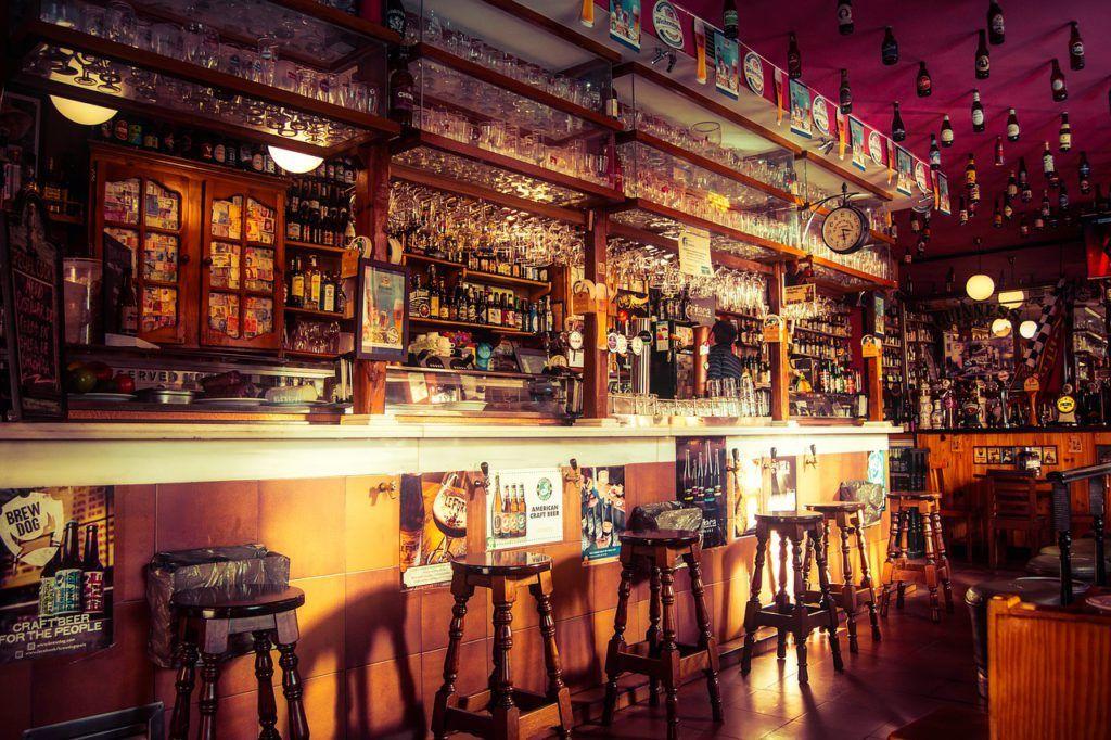 Cómo elegir el mobiliario para tu pub
