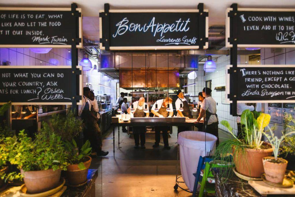 Decoración de restaurantes con plantas