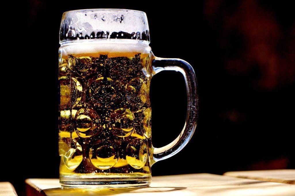 Jarra de cerveza de cristal
