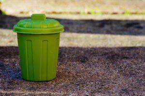 cubo verde reciclaje