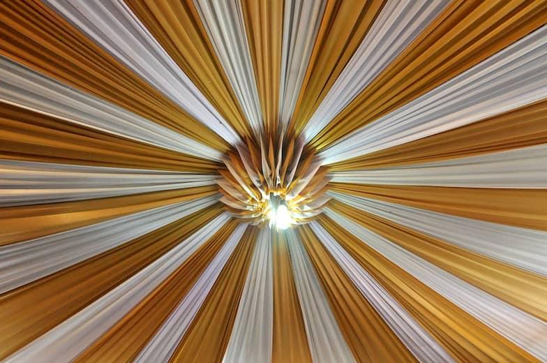 Decoración techos telas hostelería
