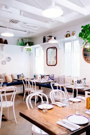 pintar restaurante en color blanco
