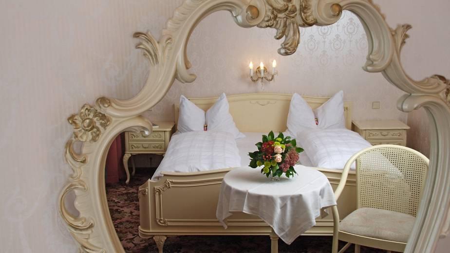 Espejos para decoración romántica de habitación de hotel