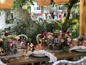 Centros florales para decorar la mesa de una boda